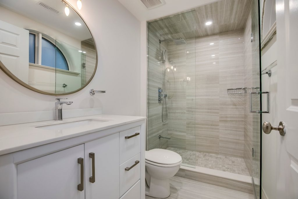 modern bathroom with luxury shower - basement finishing mississauga